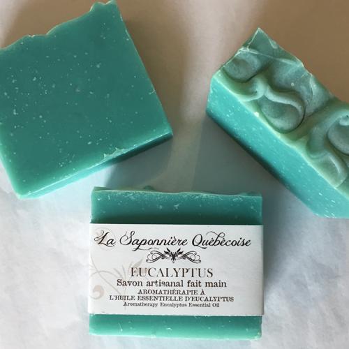 savon artisanal à l'huile essentielle d'eucalyptus